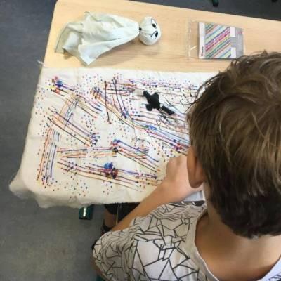 Leerlingen van De Buitenhof knutselen spoken
